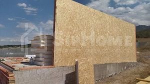 """Доброго времени суток! Предлагаем Вам детальный фото отчет по строительству нашего очередного объекта. Данный объект был построен через """"пенсионную программу"""". После согласования планировки и сметы была получена полная стоимость чернового дома и начался монтаж. Дом возводился на существующем фундаменте от прошлого строения. В состав проекта входят , стены из СИП панелей 168мм, межэтажное перекрытие 200мм, чердачное перекрытие 150мм и крыша с металлочерепицей. (Объект СДАН)"""